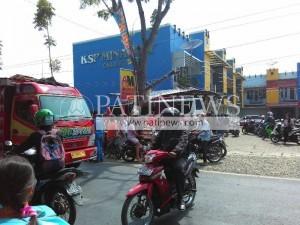 Kecelakan Bus Tyartama Di Tayu jadi tontonan warga