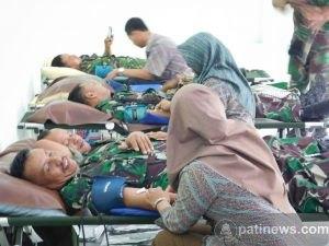 Peringati HUT TNI Ke 71, Kodim 0718 Pati Gelar Donor Darah