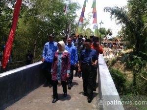 Danramil Dan Kapolsek Kandangan Hadiri Peresmian Jembatan Ngaribah