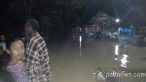 Banjir di Desa Mantingan Jaken, Sebagian Warga Mengungsi
