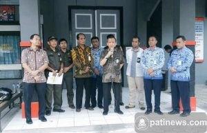 Plt. Kepala Kanwil DJP Jawa Tengah I, Dasto Ledyanto saat melakukan konferensi Pers