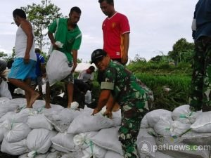 Antisipasi Bahaya Banjir Dengan Penguatan Tanggul