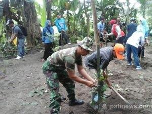 Gerakan Penghijauan Bersama TNI Dan Polri