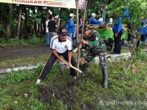 Gerakan Tanam Pohon Pada Program Hijaukan Bumimu