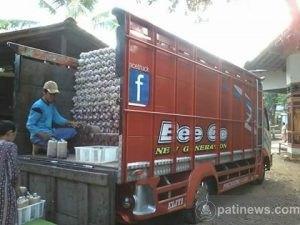 Proses Pengiriman Bibit Jamur Tiram UD. Agro Muria Jamur
