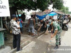 Sejumlah Anggota TNI Serbu Pasar Jaken, Ada Apa?