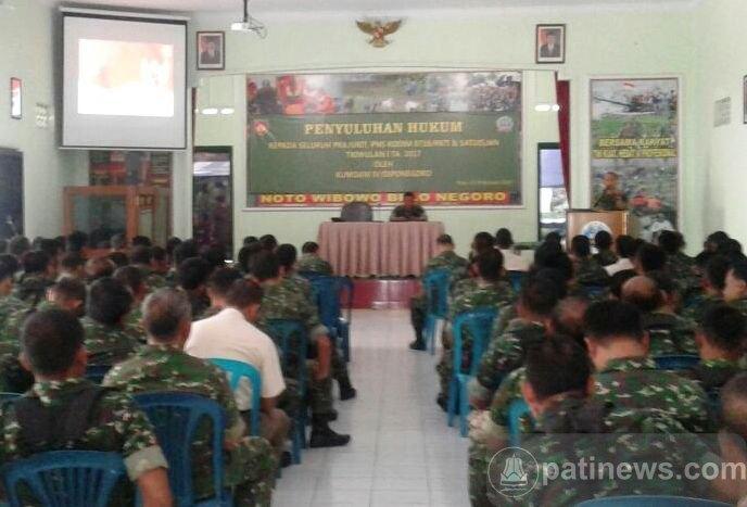 Kodam IV Diponegoro Beri Penyuluhan Hukum Kepada Anggota Kodim 0718 Pati