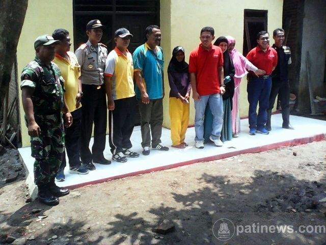 Kapolres Pati Resmikan Hasil Bedah Rumah di Desa Regaloh Tlogowungu