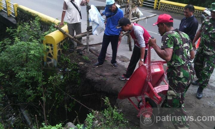 Rehabilitasi Jembatan Hindari Terputusnya Transportasi Darat