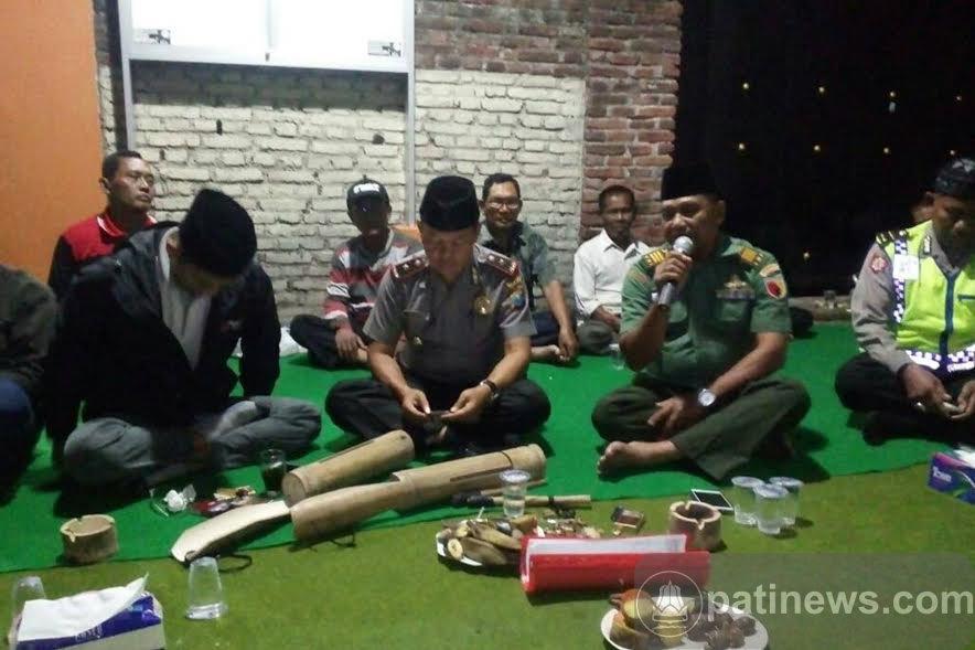 Sahur Bareng Di Bulan Ramadhan Bersama TNI Polri Dan Linmas