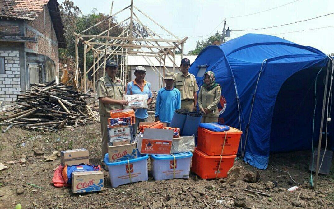 Korban Kebakaran Rumah di Desa Padangan Winong Peroleh Bantuan BPBD Pati