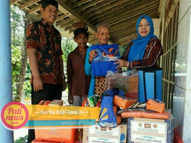 BPBD Pati Salurkan Bantuan Korban Rumah Roboh di Gunungwungkal