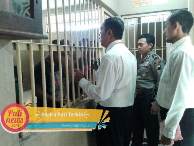 Perketat Penjagaan, Sat Tahti Polres Pati Periksa Seluruh Tahanan