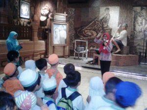 Wisata Edukasi, Museum Jenang Kudus Diserbu Anak - Anak KB Al-Azhar