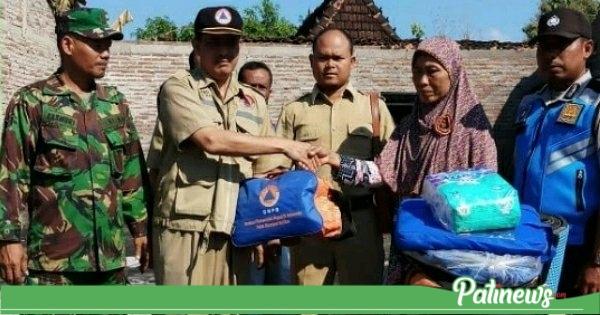 BPBD Pati Salurkan Bantuan Korban Rumah Terbakar di Desa Tanggel Winong