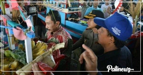 Larung Sesaji, Tradisi Wajib Nelayan Pesisir Juwana di Bulan Syawal..