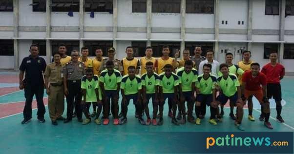 Lewat Futsal, Polres Pati Rangkul Pemuda Papua
