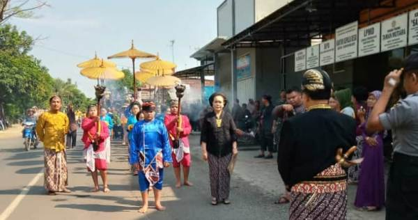 Kirab, Puncak Peringatan Maulid di Desa Tamansari Tlogowungu