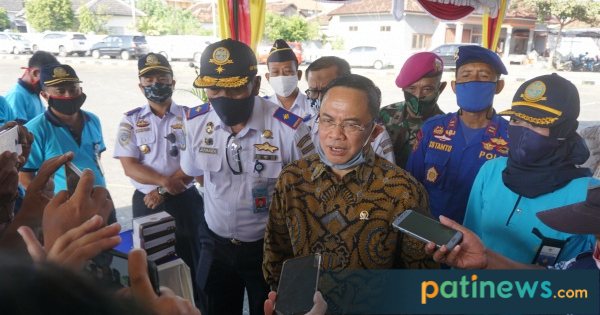 Anggota DPR RI Sudewo, Buka Kegiatan Padat Karya di Pelabuhan Juwana