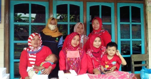 Wujudkan Indonesia Bebas Filariasis, Mahasiswa KKN UIN Walisongo Bantu Pemberian Obat Pencegahan Masal (POPM)